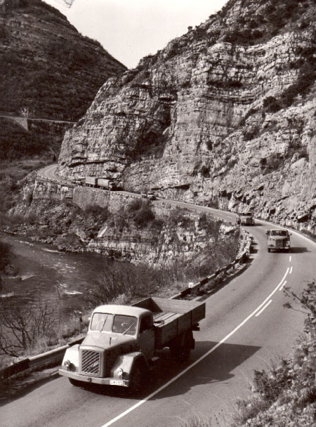 дорога в каньонах Черногории