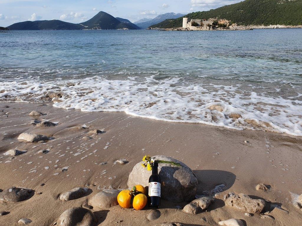 дикий пляж Черногория