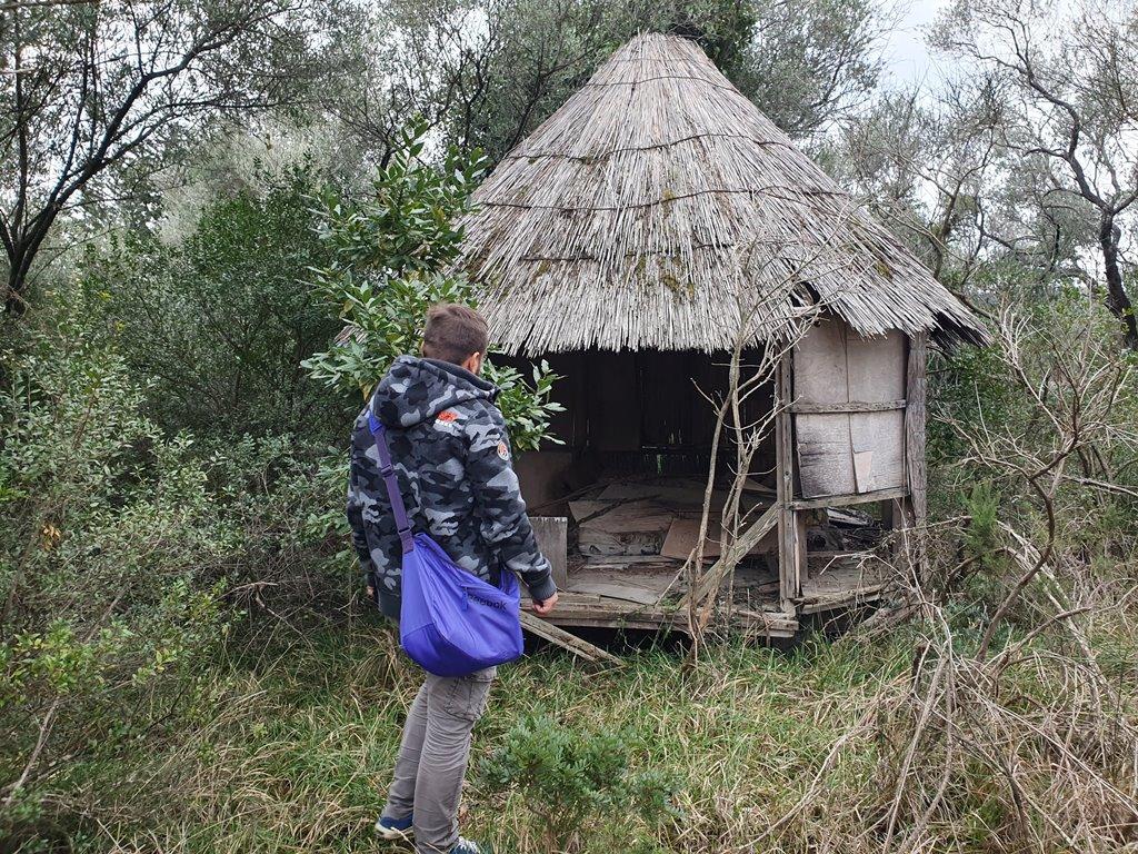 заброшенный остров Черногория