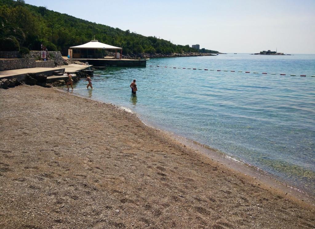 пляж Миришта