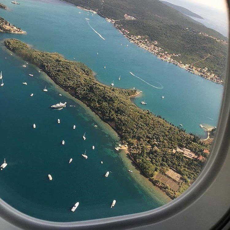заброшенный остров в черногории отель трезубец