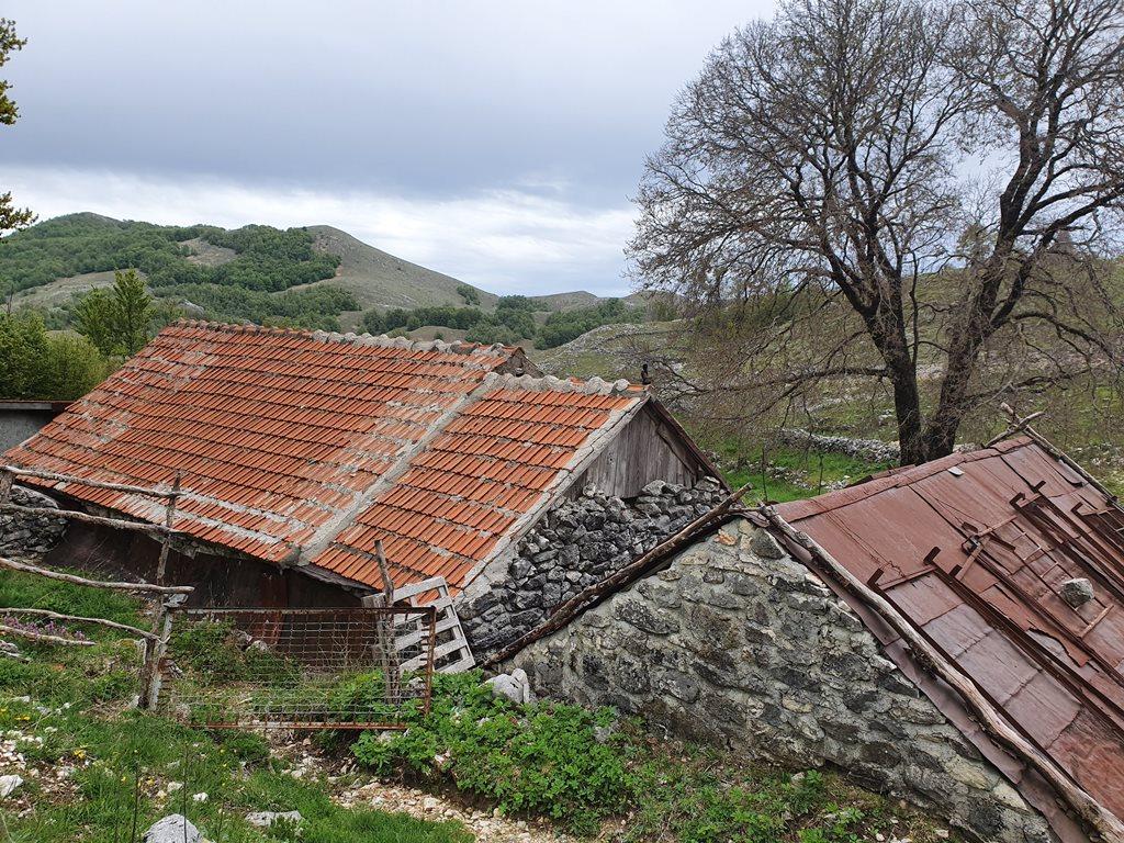 деревня на Ловчене Майстори