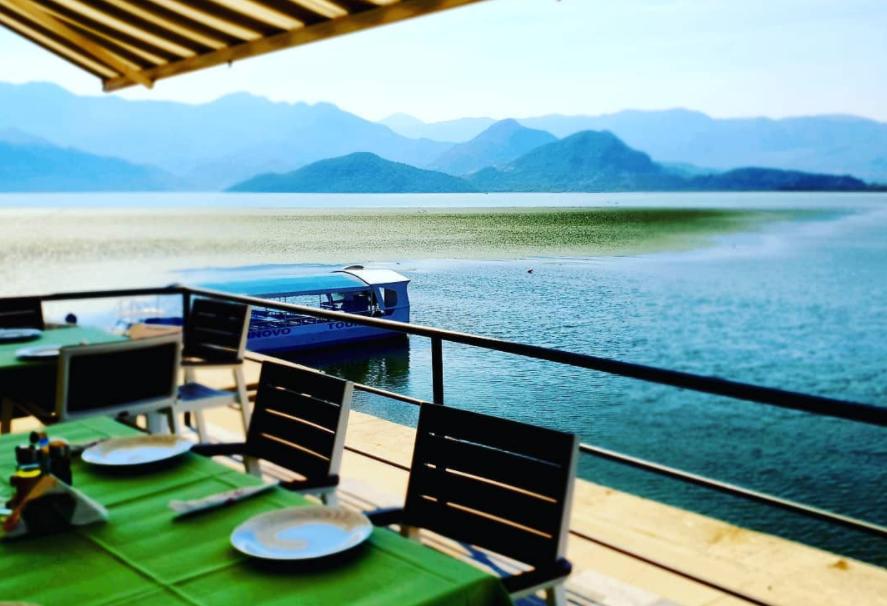 ресторан у Скадарского озера