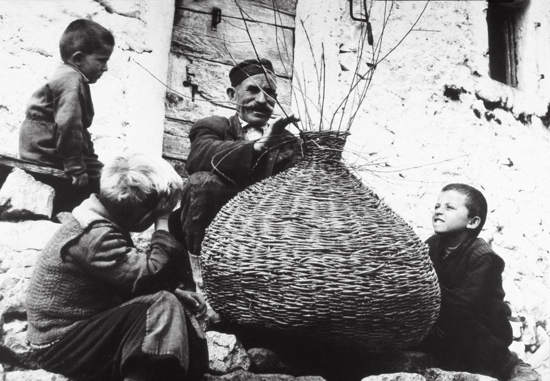 ловушка на угря в Скадарском озере