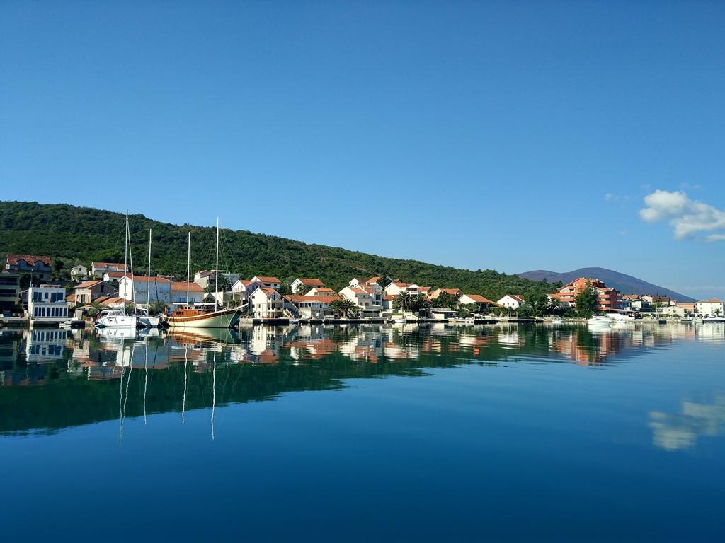 погода и море в октябре в Черногории