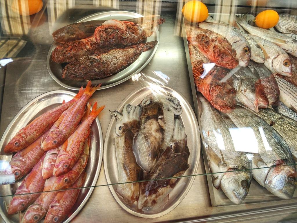 рыбный ресторан в Черногории
