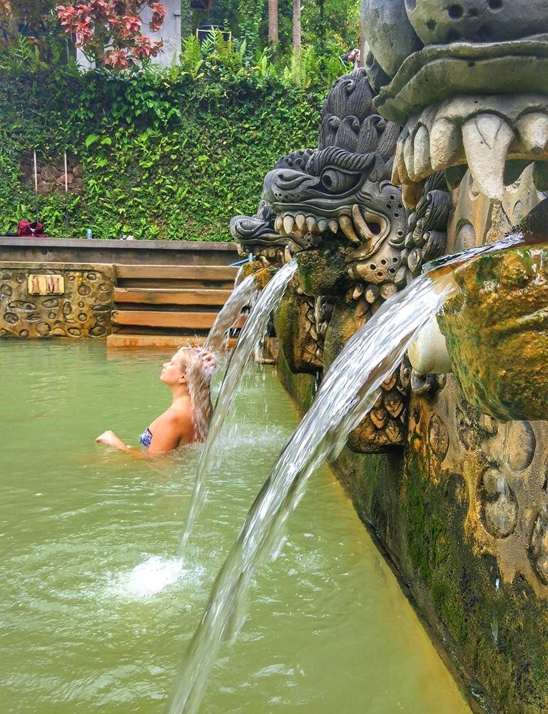 горячие источники Бали Air Panas Banjar