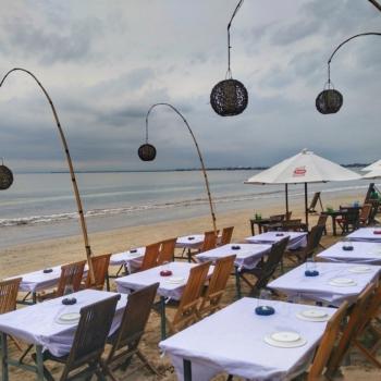 рыбные рестораны на пляже Джимбаран Бали