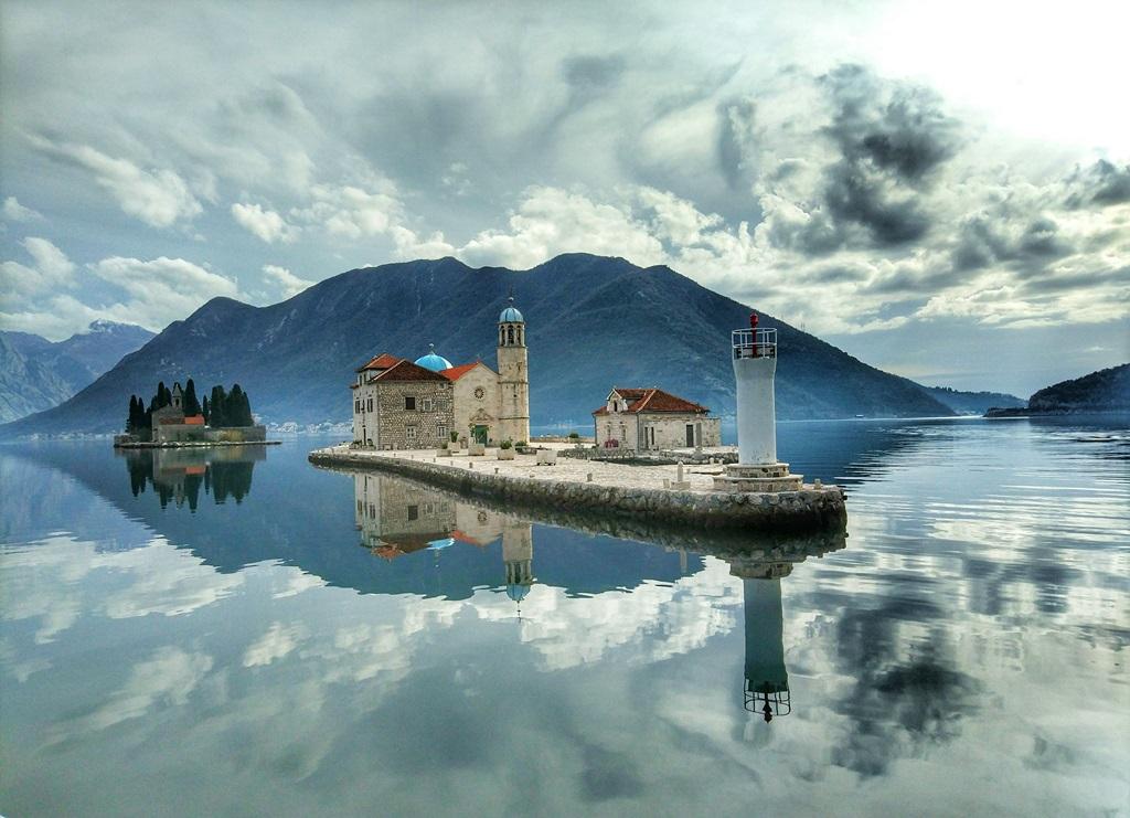 прогулки на яхте в Черногории зимой