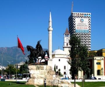 столица Тирана в Албании
