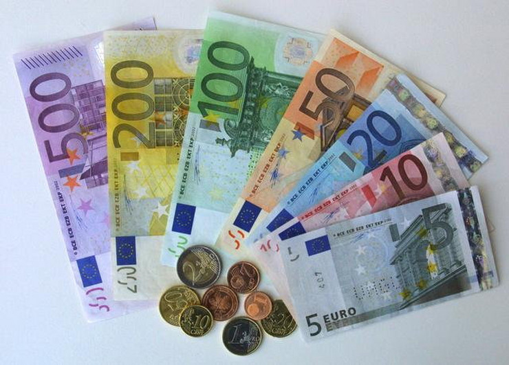 какие деньги в Черногории - евро