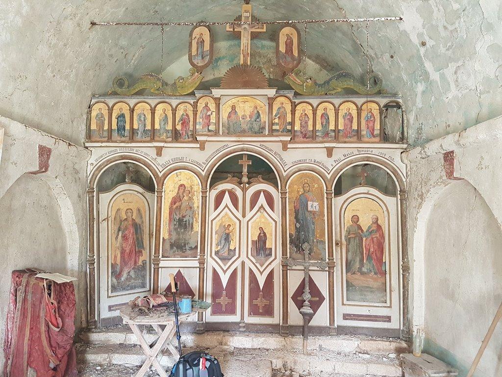 старая церковь в Черногории