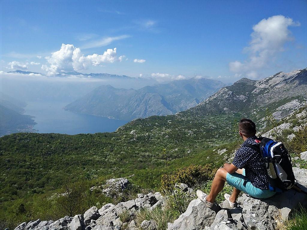 Velji Zalazi - Njegusi - trekking