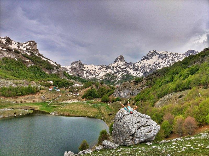 черногория, озеро в горах