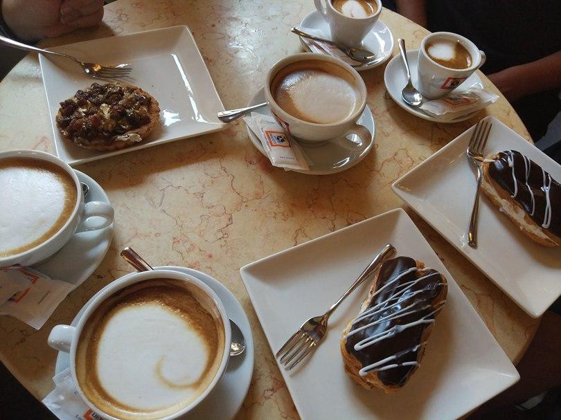 кафе в Шкодере, Албания