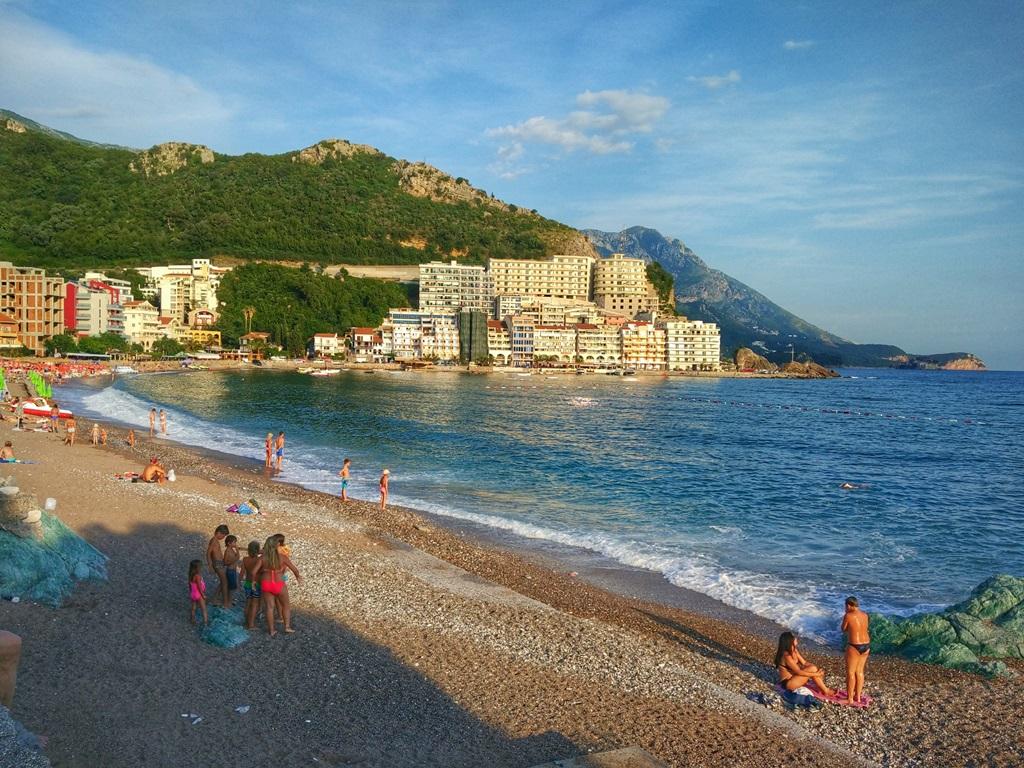 пляж в Рафаиловичи Черногория