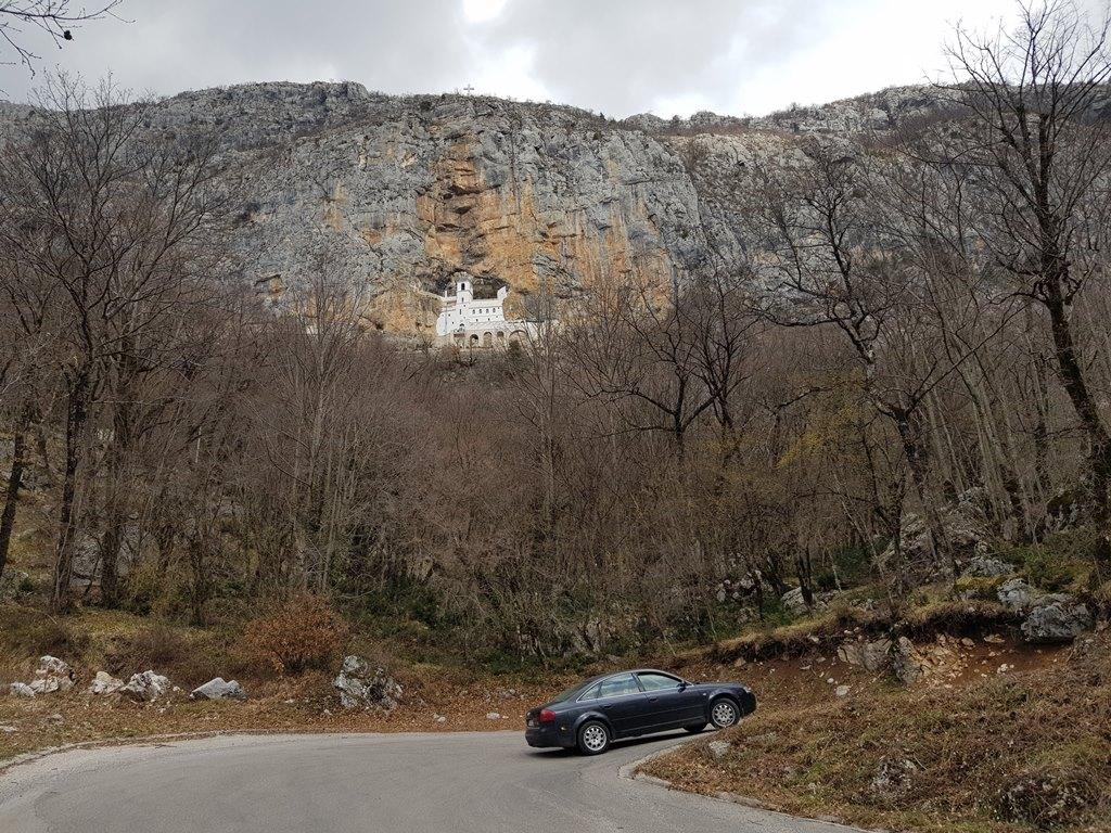 Как добраться в Острог, Черногория