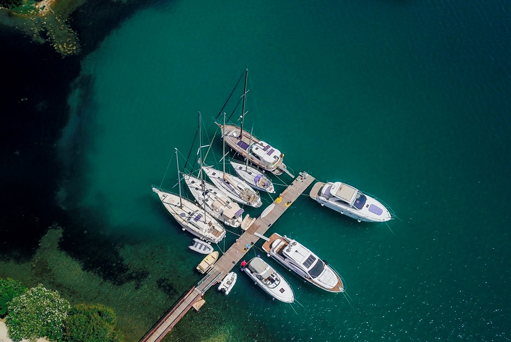 яхта в Черногории в чартер