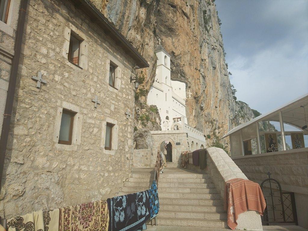 история монастыря Острог