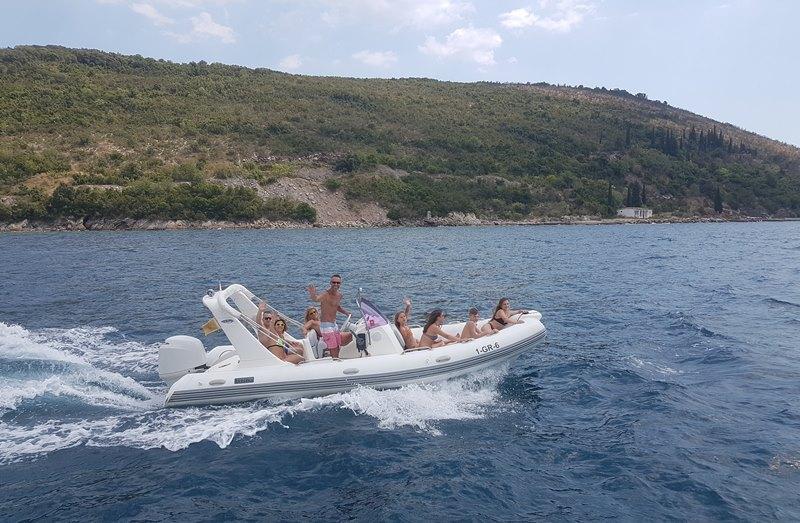 аренда лодки в Черногории