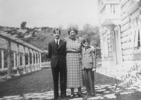 королева Мария с принцами на вилле Милочер