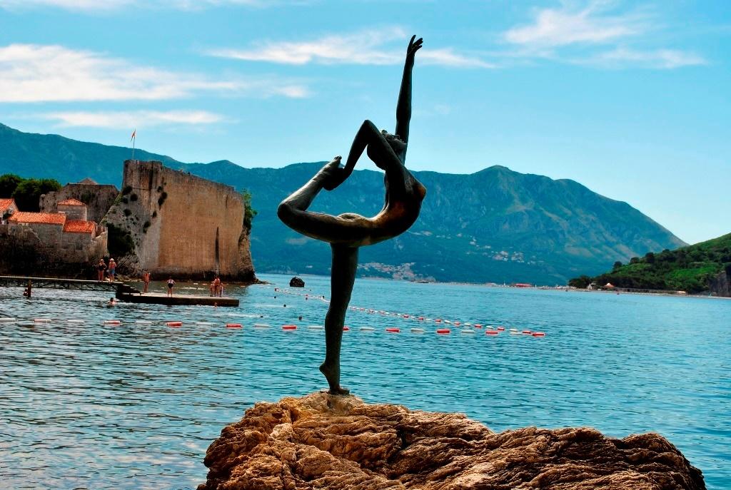 гимнастка в Будве