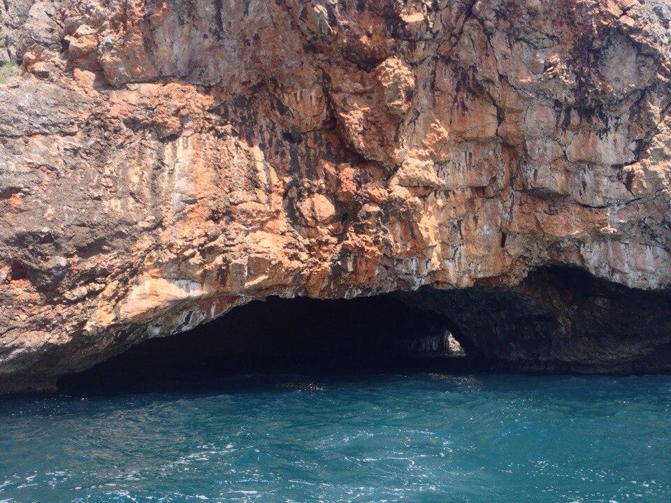 голубые пещеры в Черногории