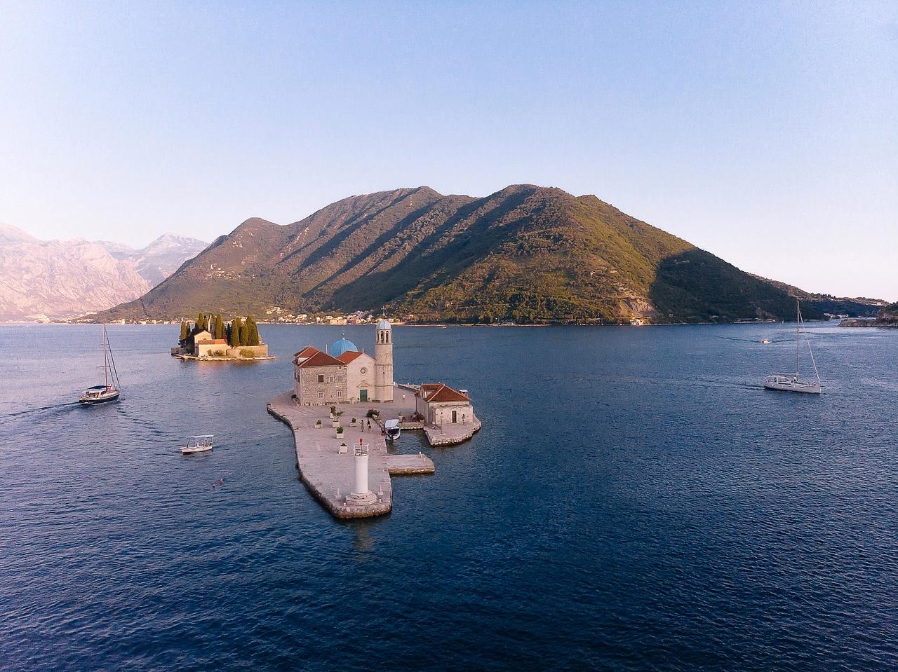Которская бухта на яхте