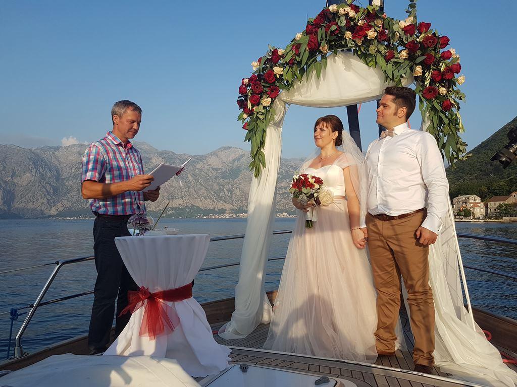 свадьба на яхте в Которской бухте