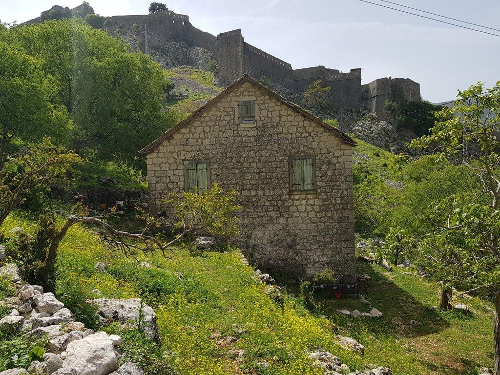 бесплатная тропа на крепость в Которе