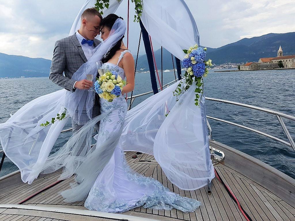 свадьба в Черногории на яхте