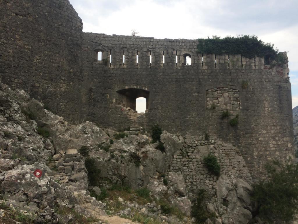 бесплатная тропа крепости Котора