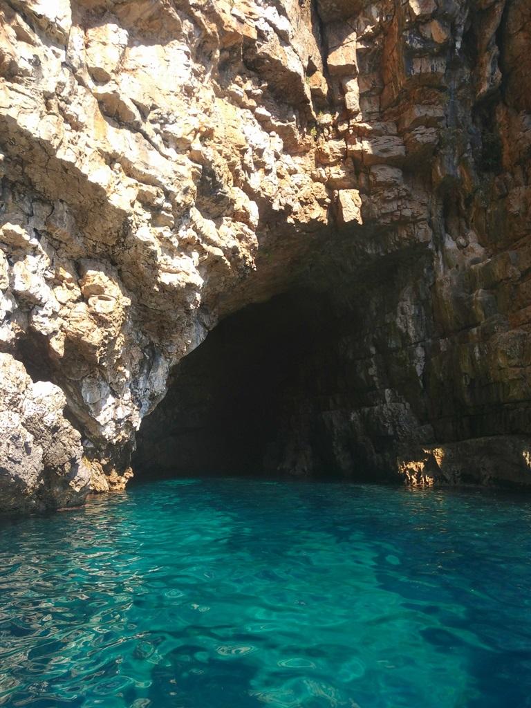 катер в черногории в голубую пещеру