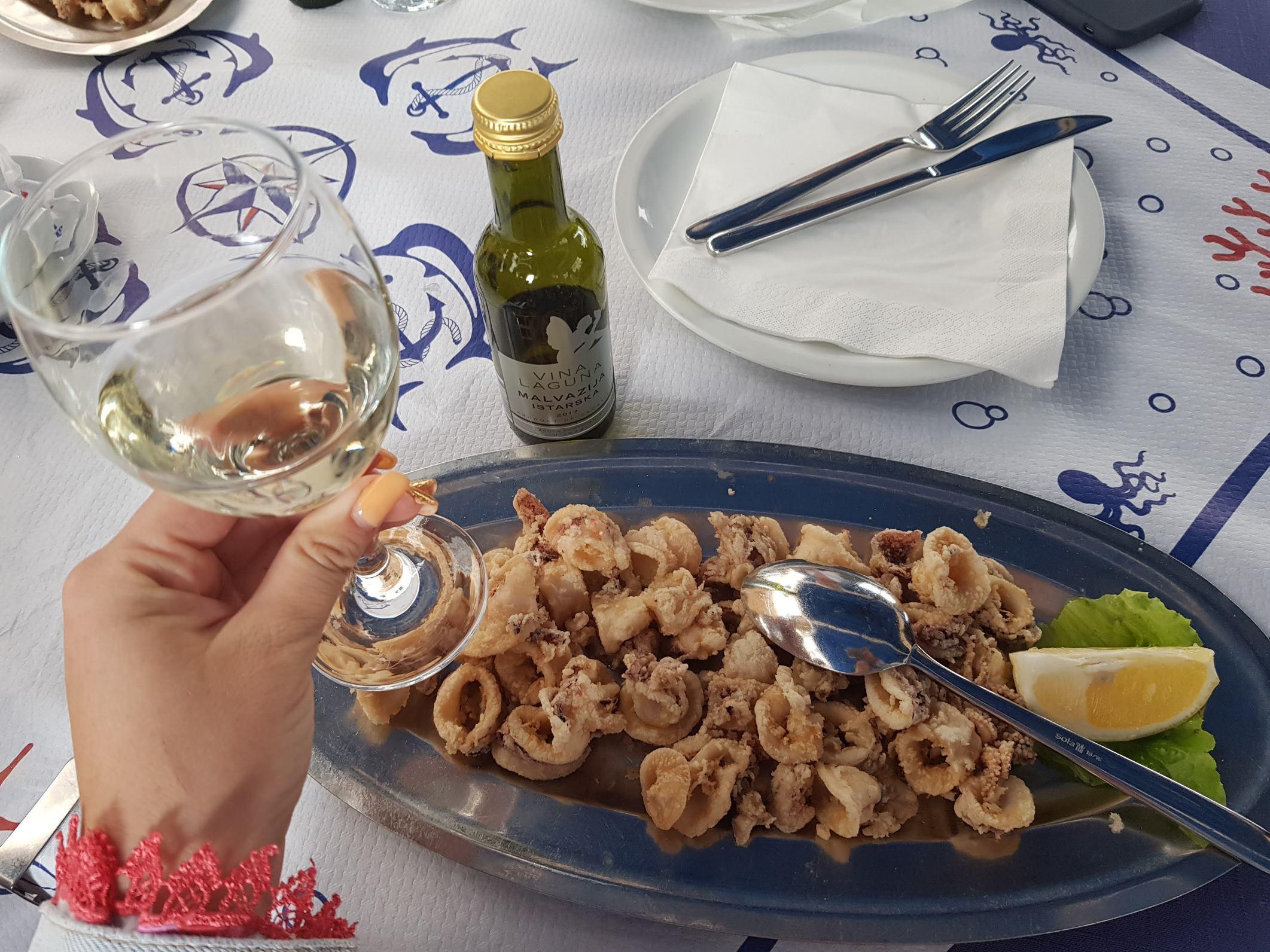 жареные кальмары в Дубровнике