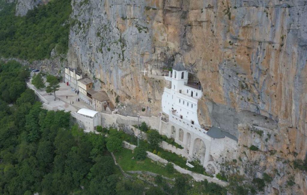 какие сувениры в Черногории