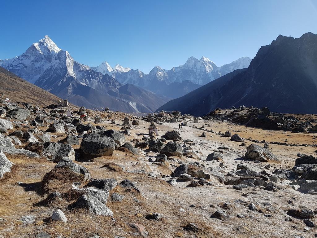 Самостоятельно трек к базовому лагерю Эвереста