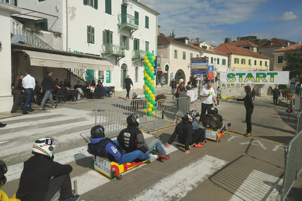 фестиваль мимозы черногория