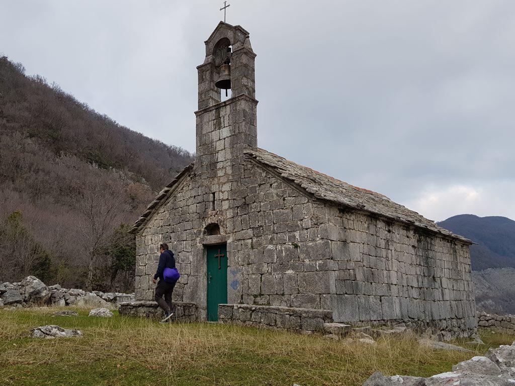 старые церкви Черногории
