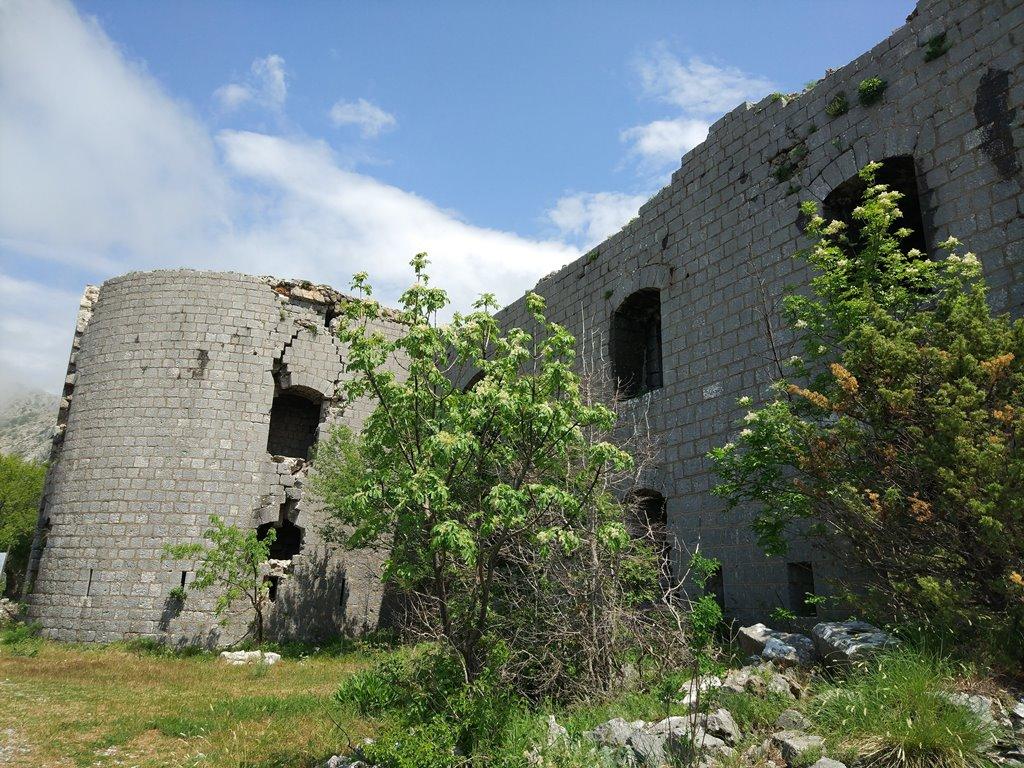 крепость Космач Черногория