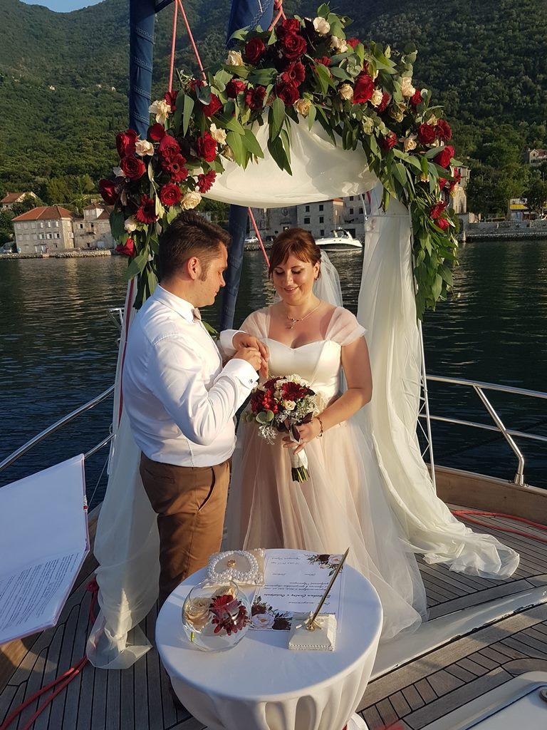 яхта Лисичка -свадьба в Черногории