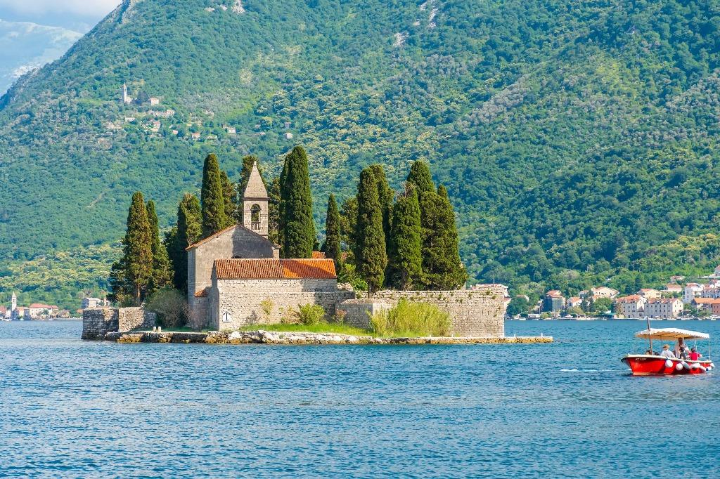 стоит ли отдыхать в Черногории