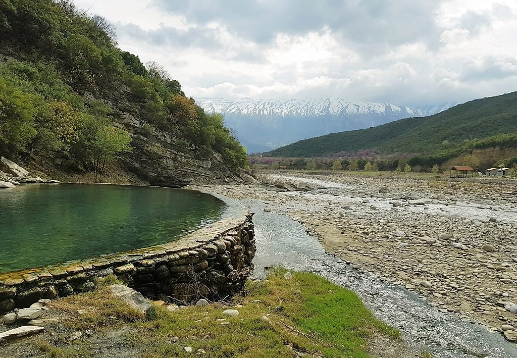 термальные источники в Албании