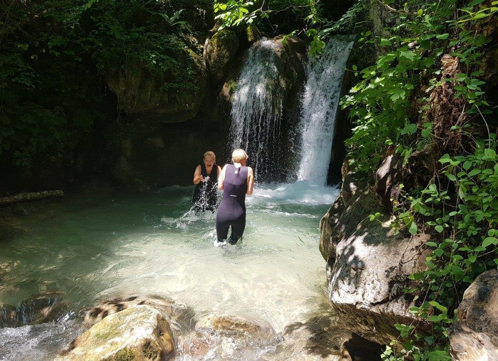 водопад в Черногории на реке Тара