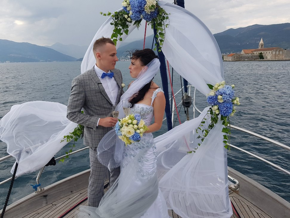 свадебная церемония на яхте в Черногории