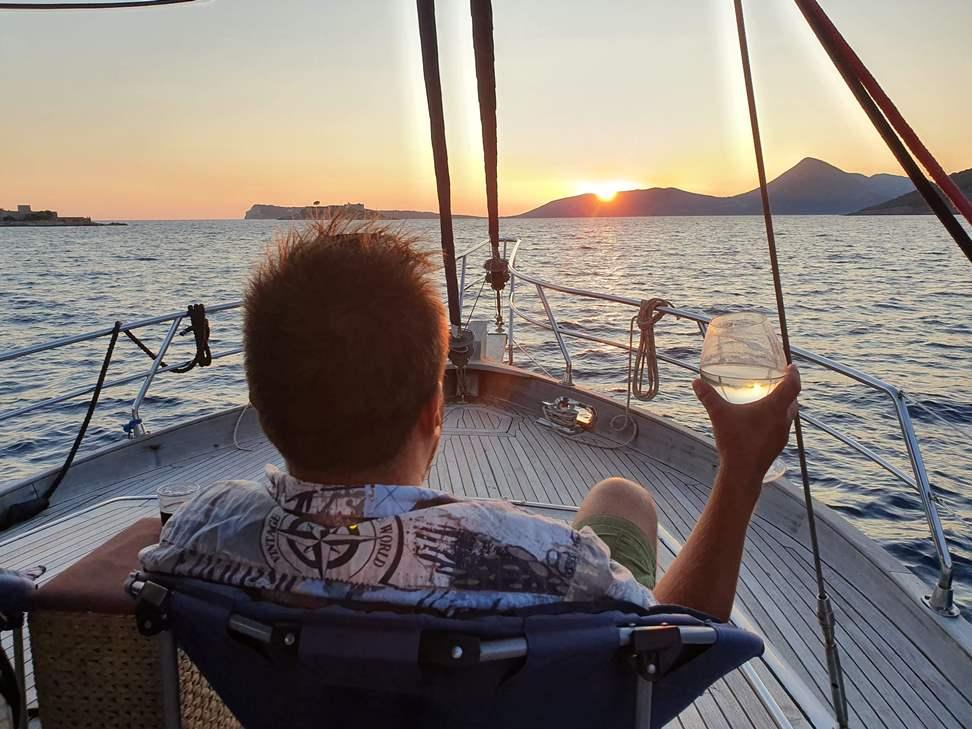 морская прогулка на яхте в Черногории