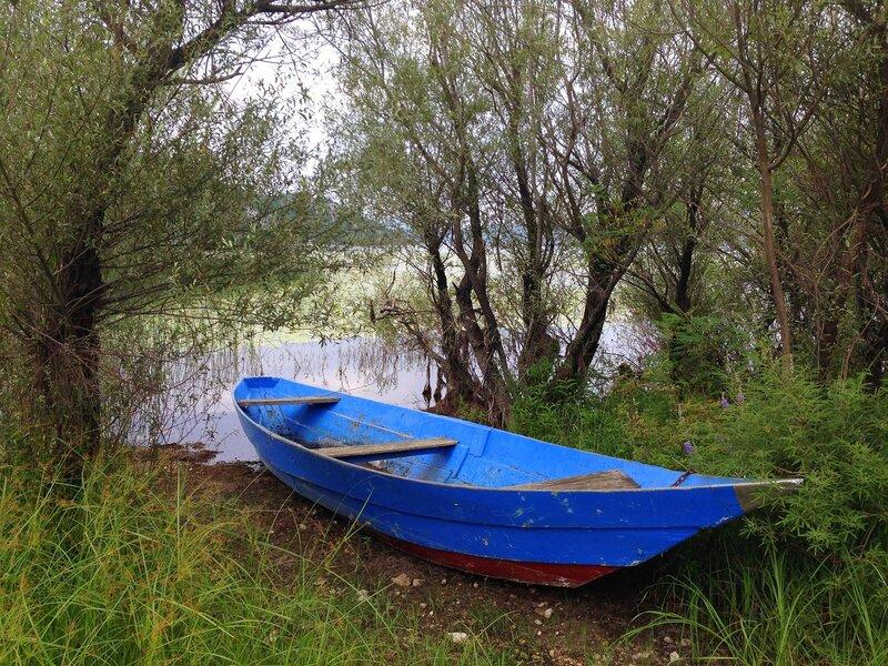Скадарское озеро лодка