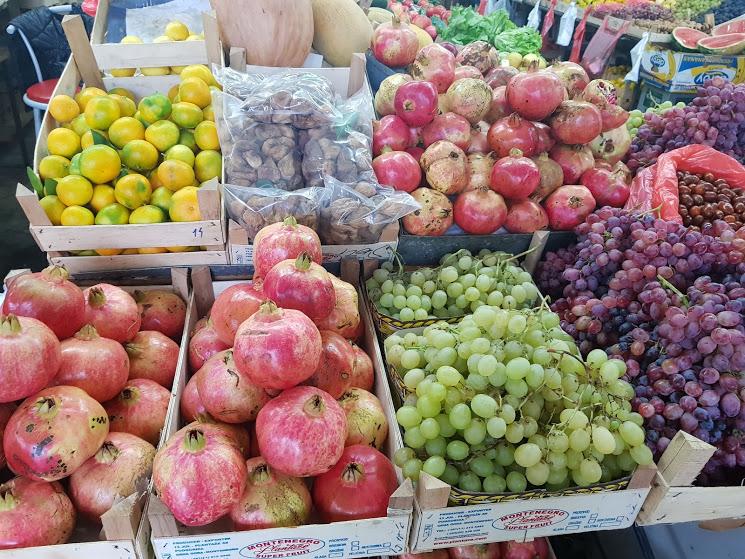 фрукты осень в Черногории
