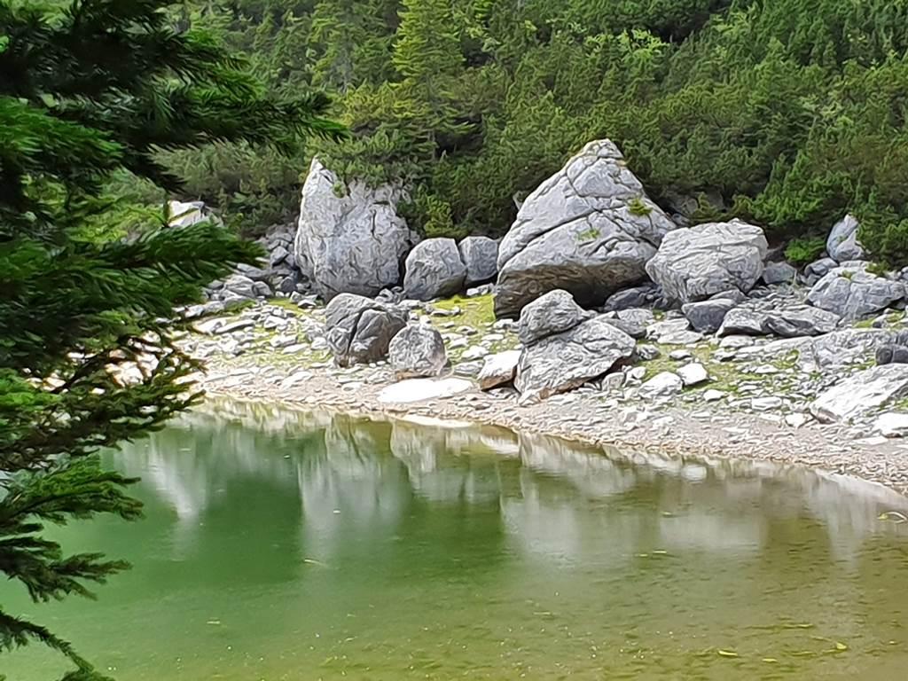 горное озеро черногория