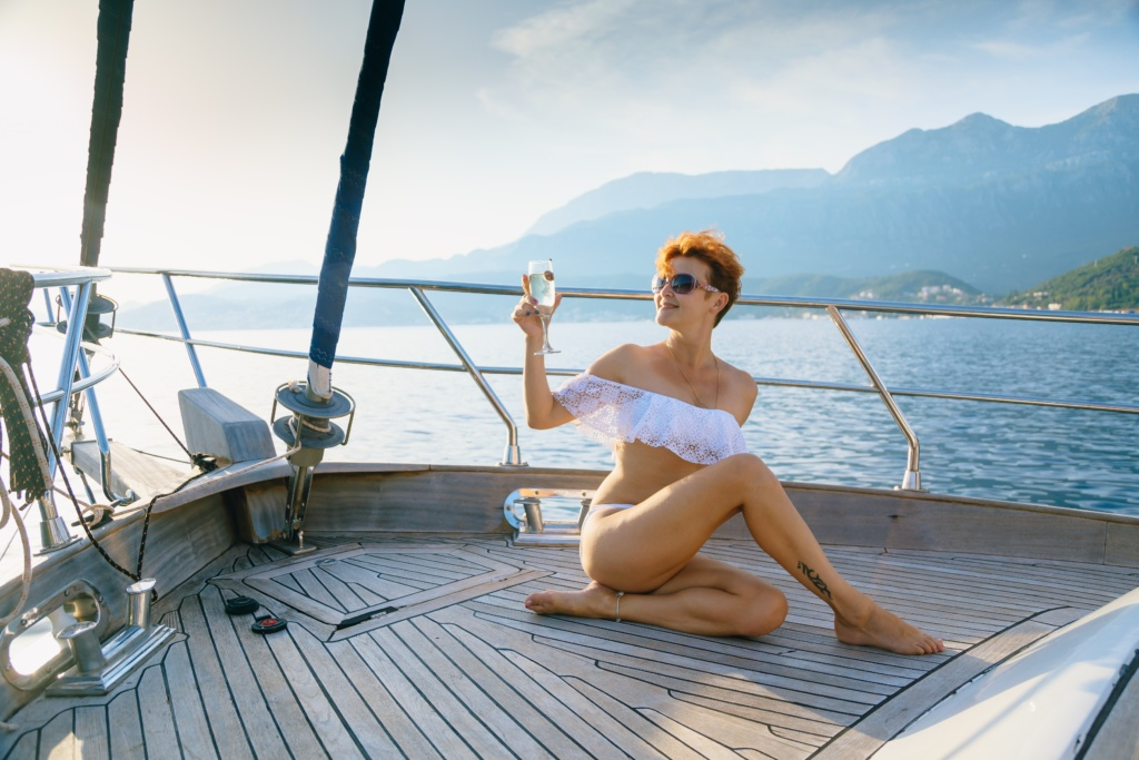 аренда яхты в черногории на день